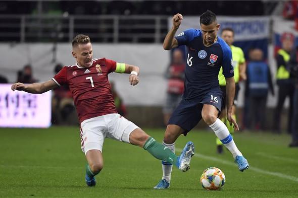A szlovákokat is zárt kapus meccsre büntette az UEFA