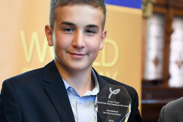 Nemzetközi fair play-díjat kapott a 13 éves magyar evezős