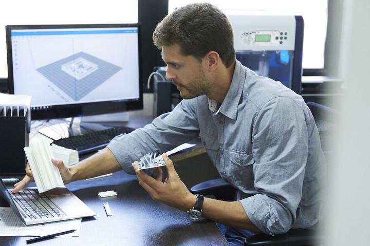 Az informatikai fejlesztések jelenthetik az egész gazdaság növekedésének kulcsát