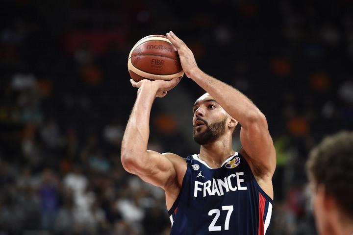 Kosárlabda: Gobert megállíthatatlan volt, a franciák búcsúztatták az amerikaikat