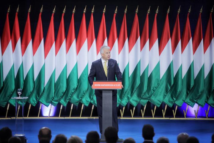 Semjén: Közös szenvedélyünk Magyarország