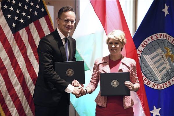 Továbbra is vízum nélkül utazhatnak az Egyesült Államokba a magyarok