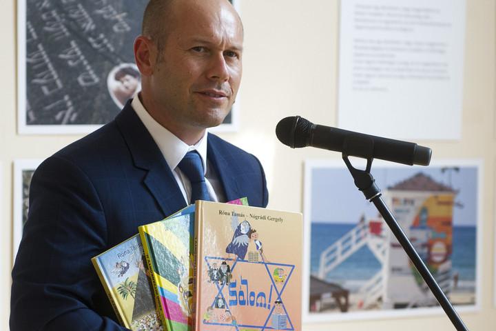 Újabb zsidó hittankönyv jelenik meg kormányzati támogatással