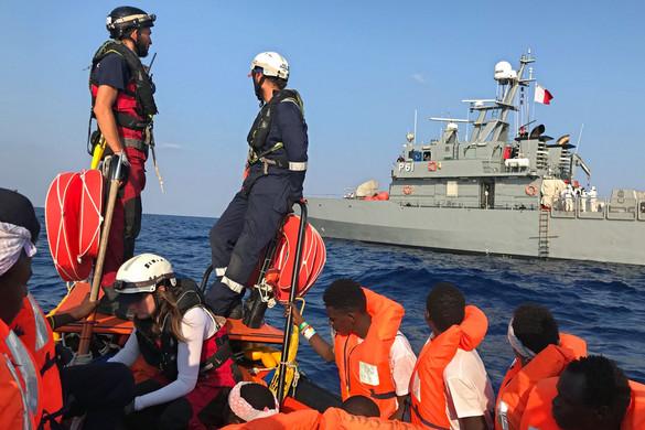 Valószínű, hogy Olaszország megnyitja kikötőit a migránsok előtt