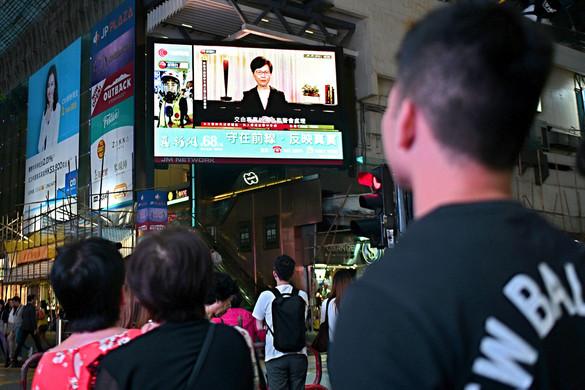 Fordulat Hongkongban: visszavonták a törvényt