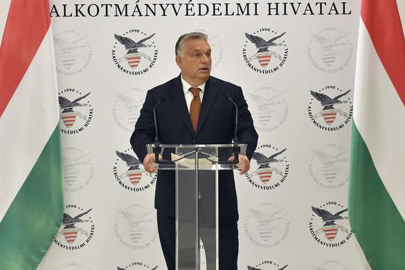 Orbán: A modern magyar államnak szüksége van alkotmányvédelemre