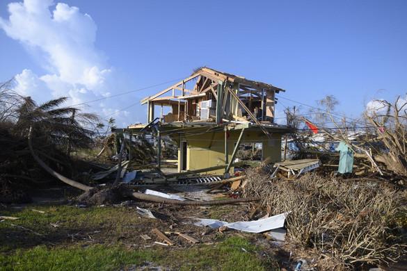 Trópusi vihar csapott le a hurrikán sújtotta Bahamákra