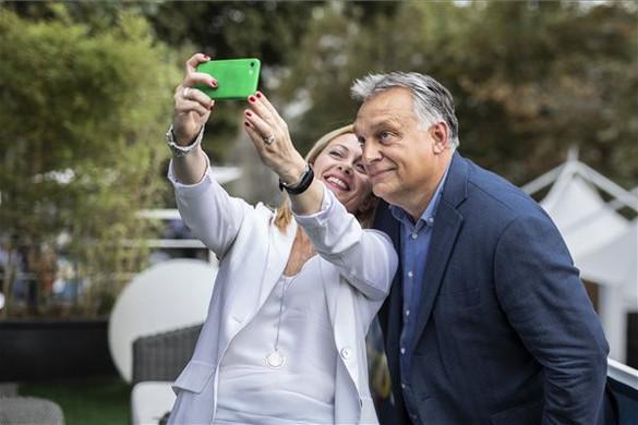 Olaszországban ünnepelték Orbán Viktort