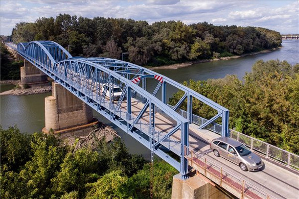 Mosóczi László: megépül a Jászberényt elkerülő út harmadik üteme, megújult a kiskörei Tisza-híd