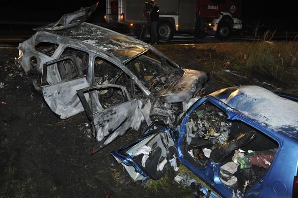 Hárman meghaltak egy balesetben az M5-ös autópályán