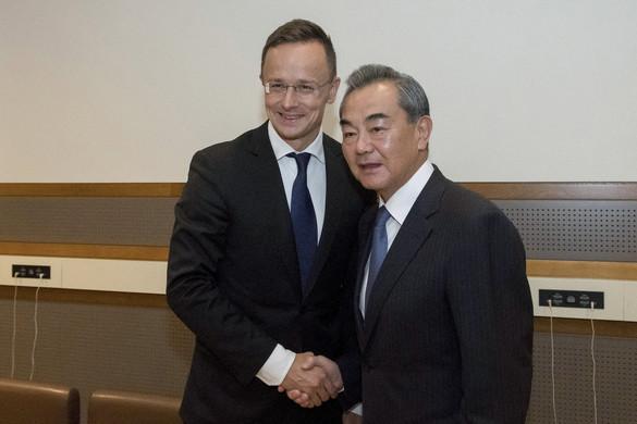 Felgyorsítják a hitelszerződési tárgyalásokat Kínával a Budapest-Belgrád vasútvonal építéséhez