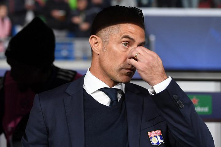 Menesztették az Olympique Lyon vezetőedzőjét