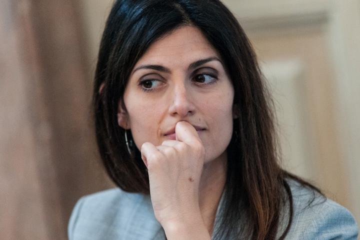 Róma főpolgármesterének távozását követelik