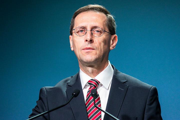 Varga Mihály: Több milliárd forint támogatást kaptak a kisvállalkozások