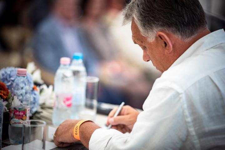 Orbán Viktor levelet írt a fideszes önkormányzati képviselőknek