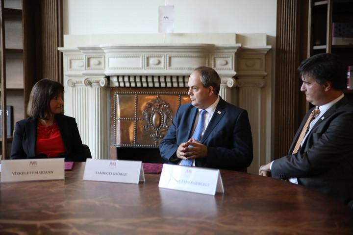 Együttműködik az MMA és a Magyar Polgári Együttműködés Egyesület