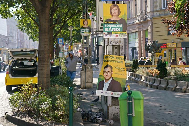 Lejár a határidő a plakátok eltávolítására