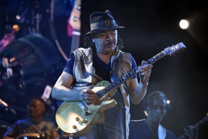 Jövőre újra Budapesten lép fel Carlos Santana