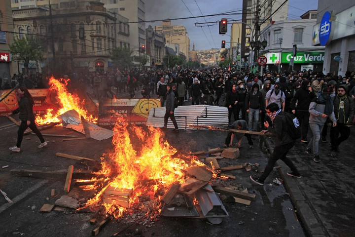Többen meghaltak a chilei zavargásokban