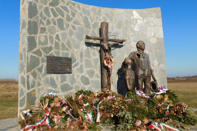 Pásztor: A kollektív bűnösség bélyege a vajdasági magyarság homlokán égett