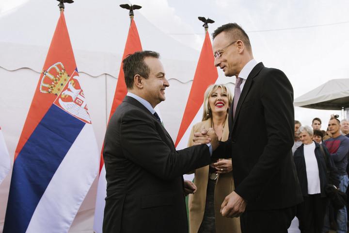 Szijjártó: Magyarország és Szerbia kapcsolata az együttműködésről és a folyamatos építkezésről szól