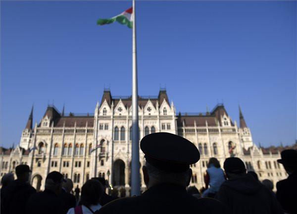 Fidesz: A magyar egy szabadságszerető nép