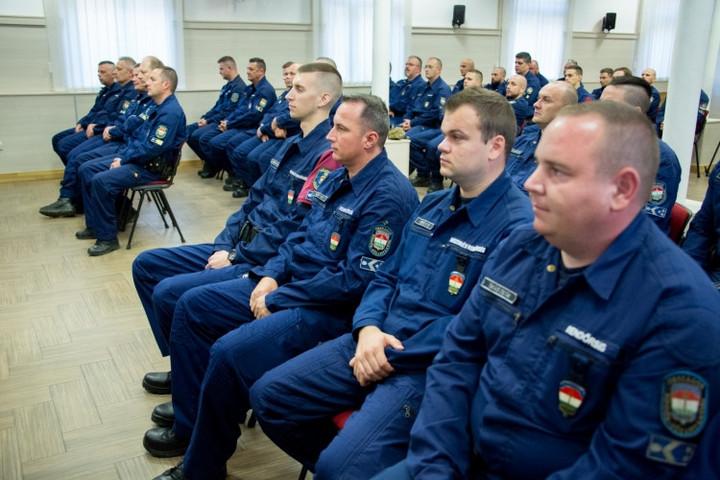 Újabb magyar rendőrök segítik Észak-Macedónia és Szerbia határőrizetét