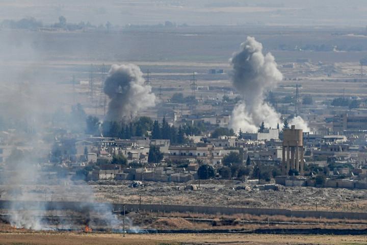 Erdogan elutasította a tűzszünetet, a kurdokat a határsáv elhagyására szólította