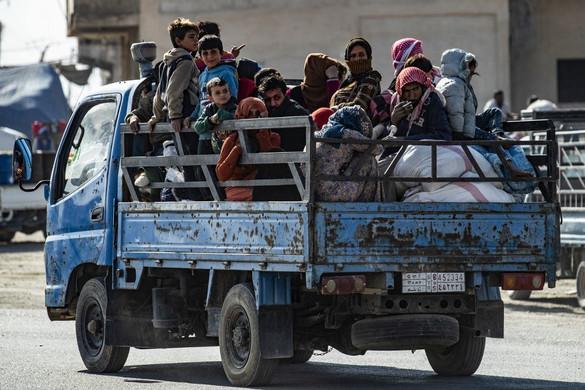 Több százezer ember menekült el a török támadás elől