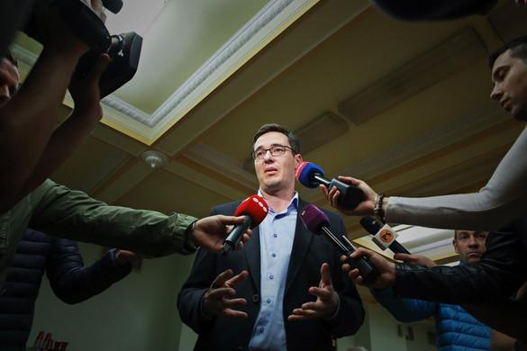 Tovább dagad az ellenzéki korrupciós botrány