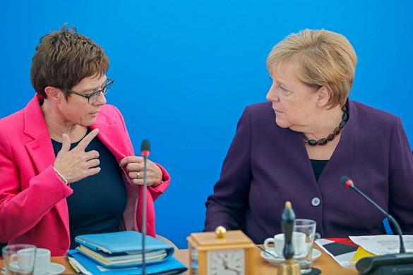 Még inkább megosztja a CDU-t a türingiai pofon