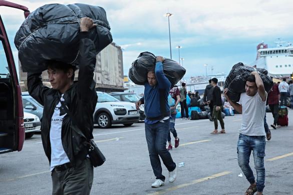 Csaknem 800 migráns lépte át a görög-török határt az elmúlt 48 órában