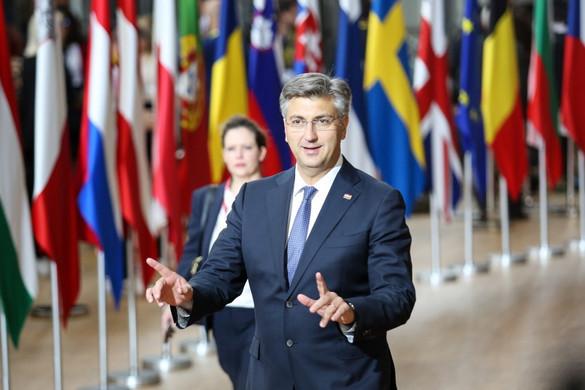 Az EU külső határait a legtávolabbi helyen kell védeni