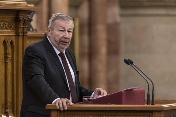 Kovács Árpád: Kedvezően alakul a magyar gazdaság