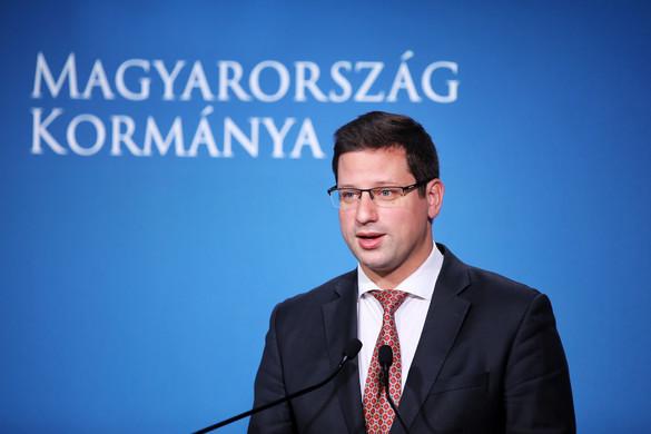 Gulyás: A kormány továbbra is elutasítja a kötelező kvótát
