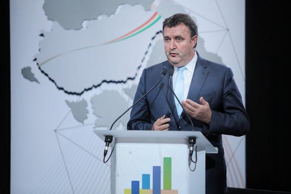 Megnyitották a Kárpát EXPOrt gazdasági konferenciát és kiállítást
