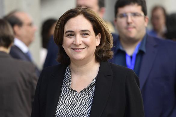 Barcelona polgármestere valódi párbeszédre szólította fel a spanyol és a katalán vezetőket