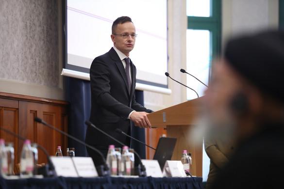 Szijjártó: Eredményes volt a kárpátaljai magyarok melletti kiállás