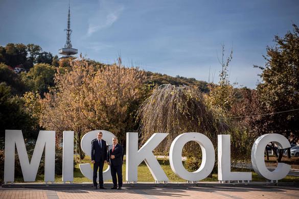 A fideszes miskolci polgármesterjelöltnek szurkol Orbán Viktor