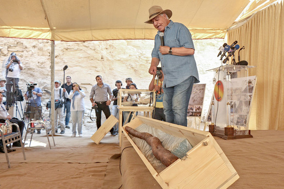 Aranytöredéket, ezüstpecsétet is találtak a régészek Egyiptomban, a Luxor közelében feltárt, 3300 éves sírban