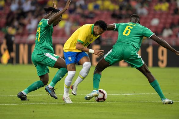 A szenegáliak elrontották Neymar jubileumát