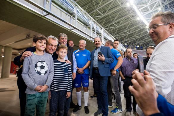 Orbán Viktor elment a Puskás stadion próbameccsére