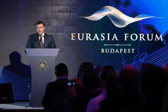 Palkovics: Erősíteni kell az innovációt a kis- és középvállalkozások körében