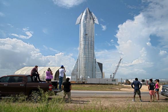 Hamarosan megteheti első útját a Starship űrhajó, amely Elon Musk szerint jövőre már embert is szállíthat