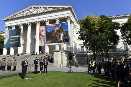 Emléktáblát avattak Harry Hill Bandholtz tábornok tiszteletére a Múzeumkertben