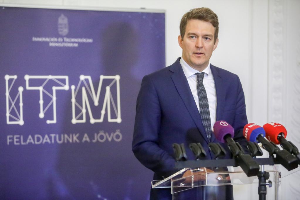 György László: A magyar gazdaság a hazai szereplőket részesíti előnyben