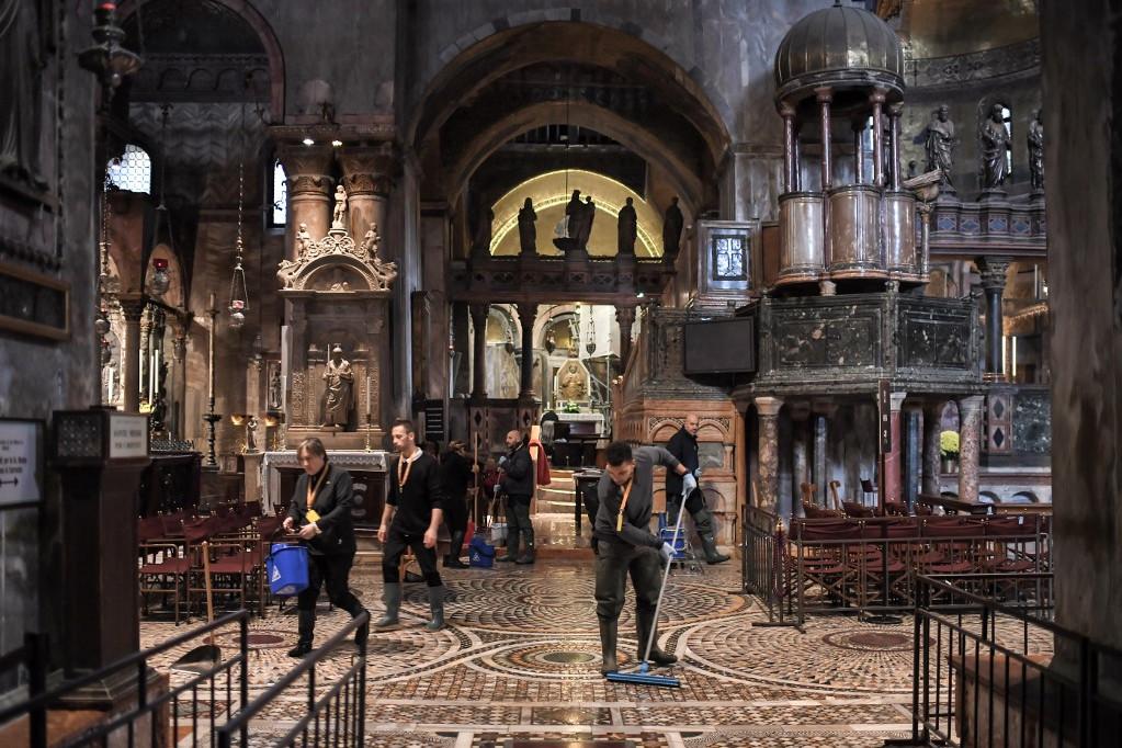 A Szent Márk-bazilika komoly károkat szenvedett