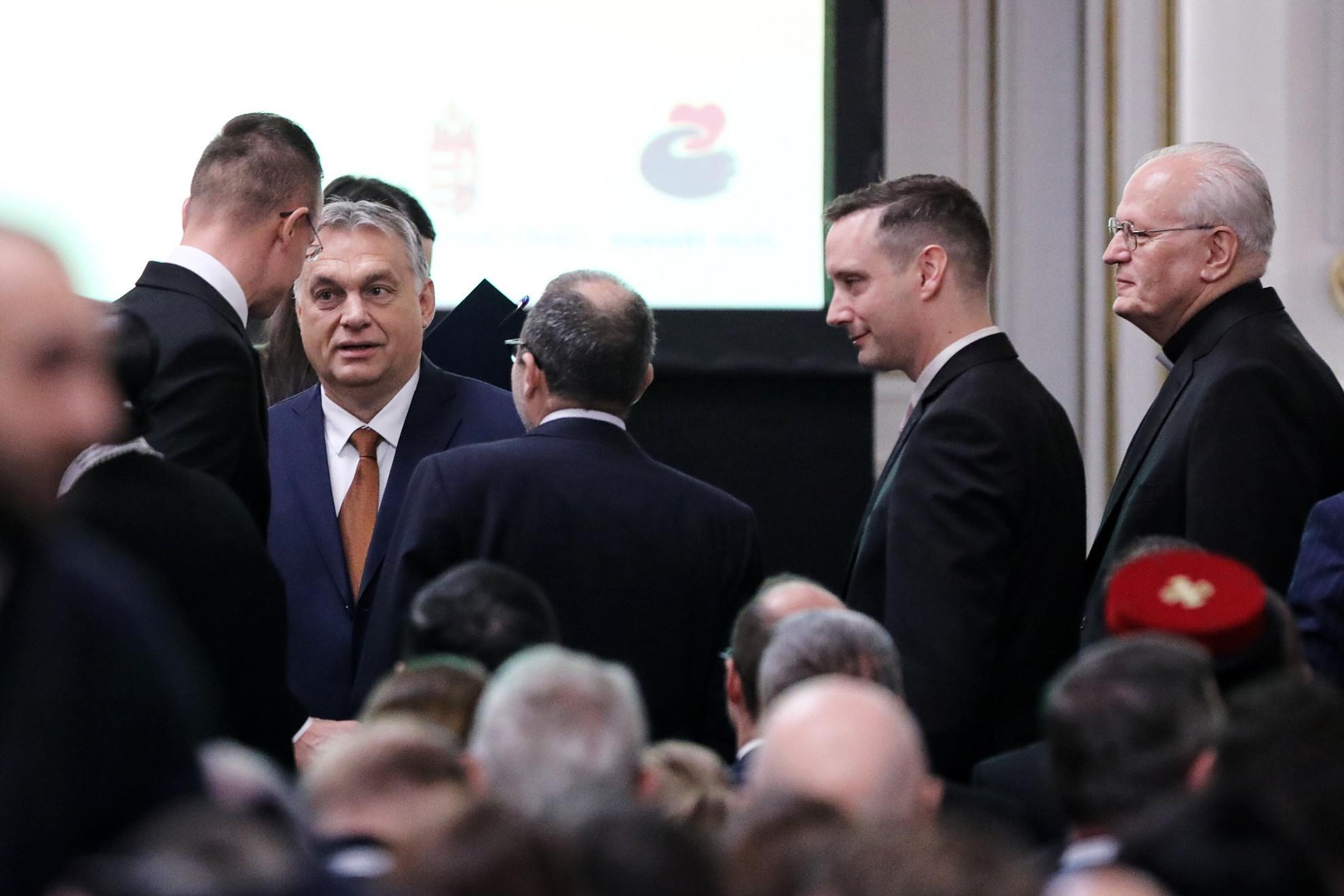 Az esemény fő résztvevői Orbán Viktor miniszterelnök,Matthew Hassan Kukah, nigériai püspök, és III. Gewargis, az Asszír keleti egyház pátriárkája lesz