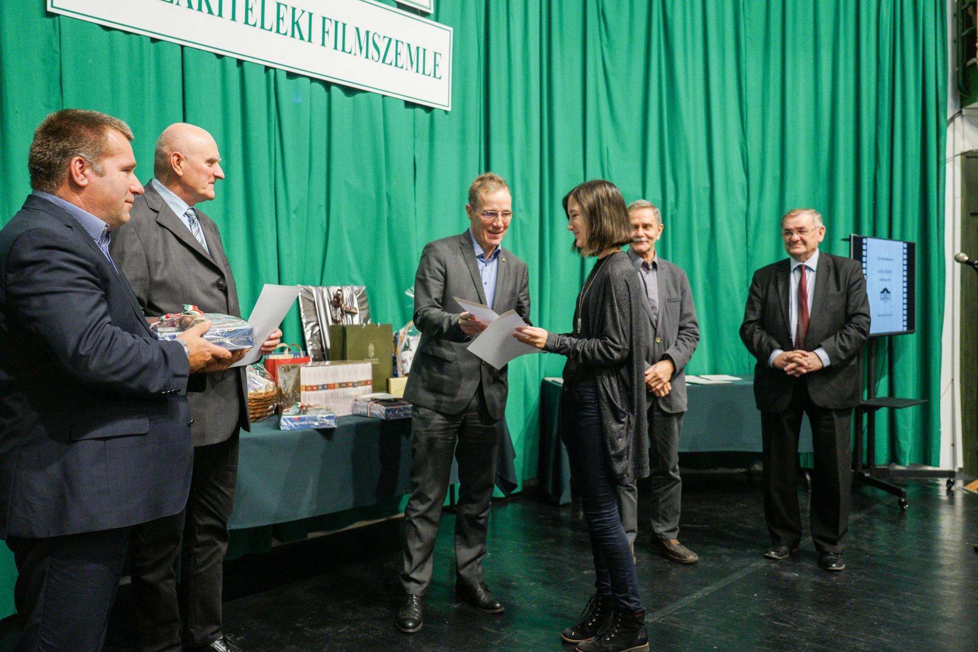 A Magyar Hírlap különdíja Peresztegi Hanna budapesti rendezőé lett