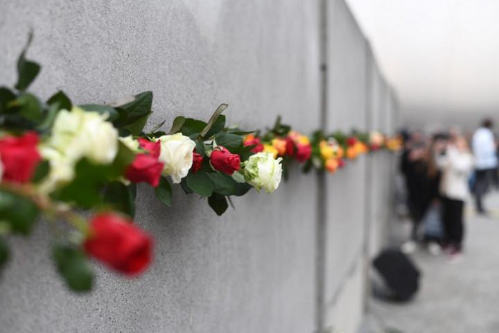 Berlinben ünneplik a fal ledöntésének jubileumát a V4-ek államfői